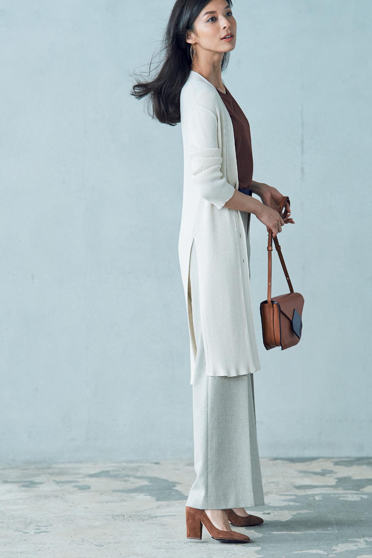 この季節、何はなくとも必要な優秀服は「白いロングカーディガン」 五選_4_1
