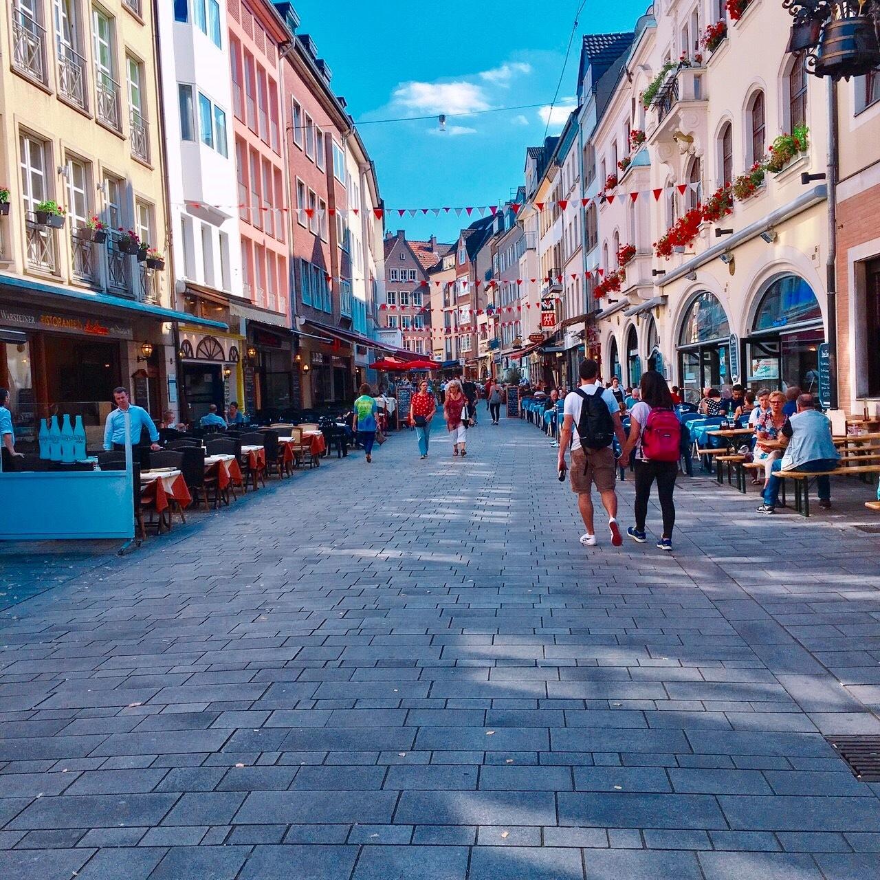 ドイツ -帰国子女が教えるマル秘スポット【デュッセルドルフ】の街を歩く-_1_4-2