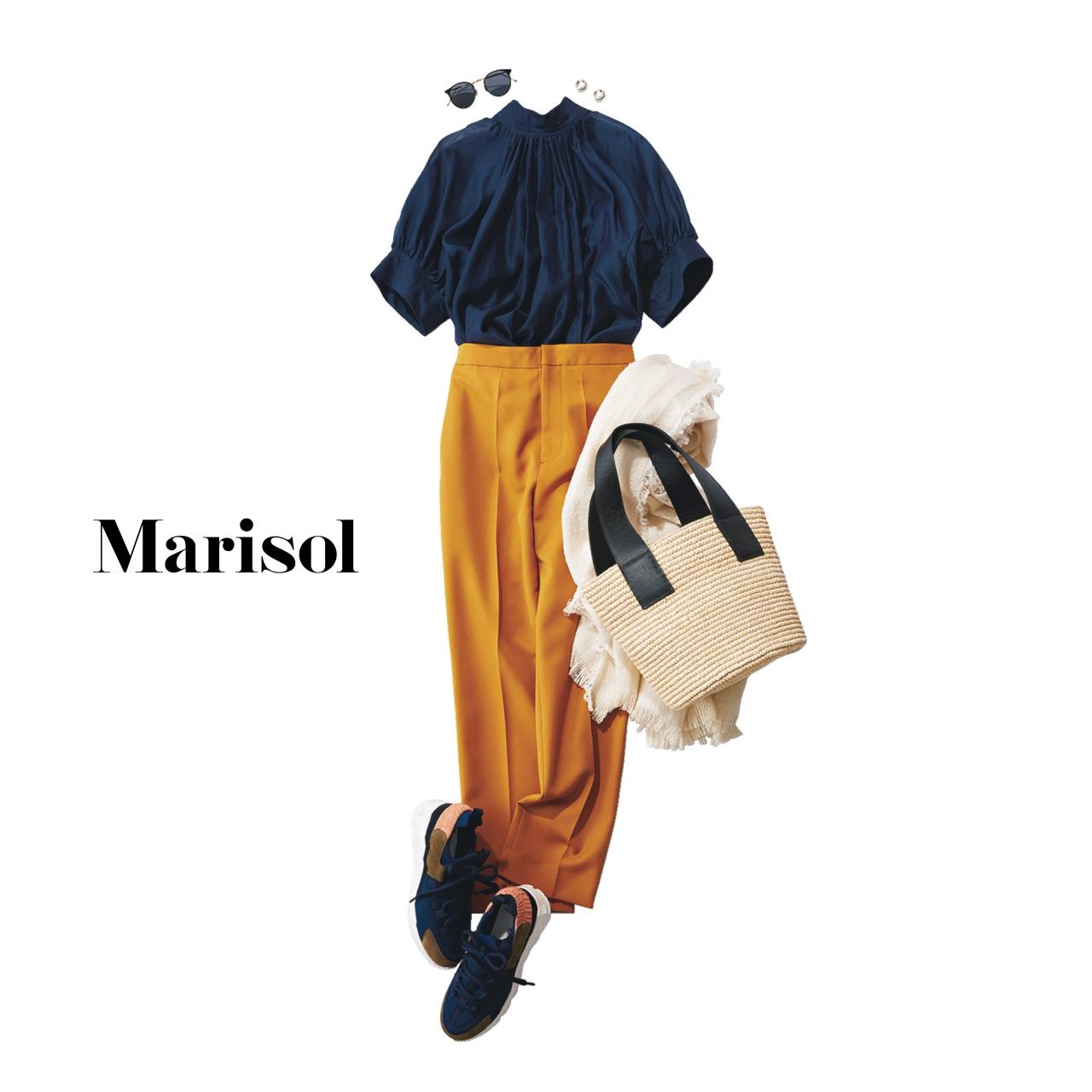40代ファッション ネイビーブラウス×マスタードパンツコーデ