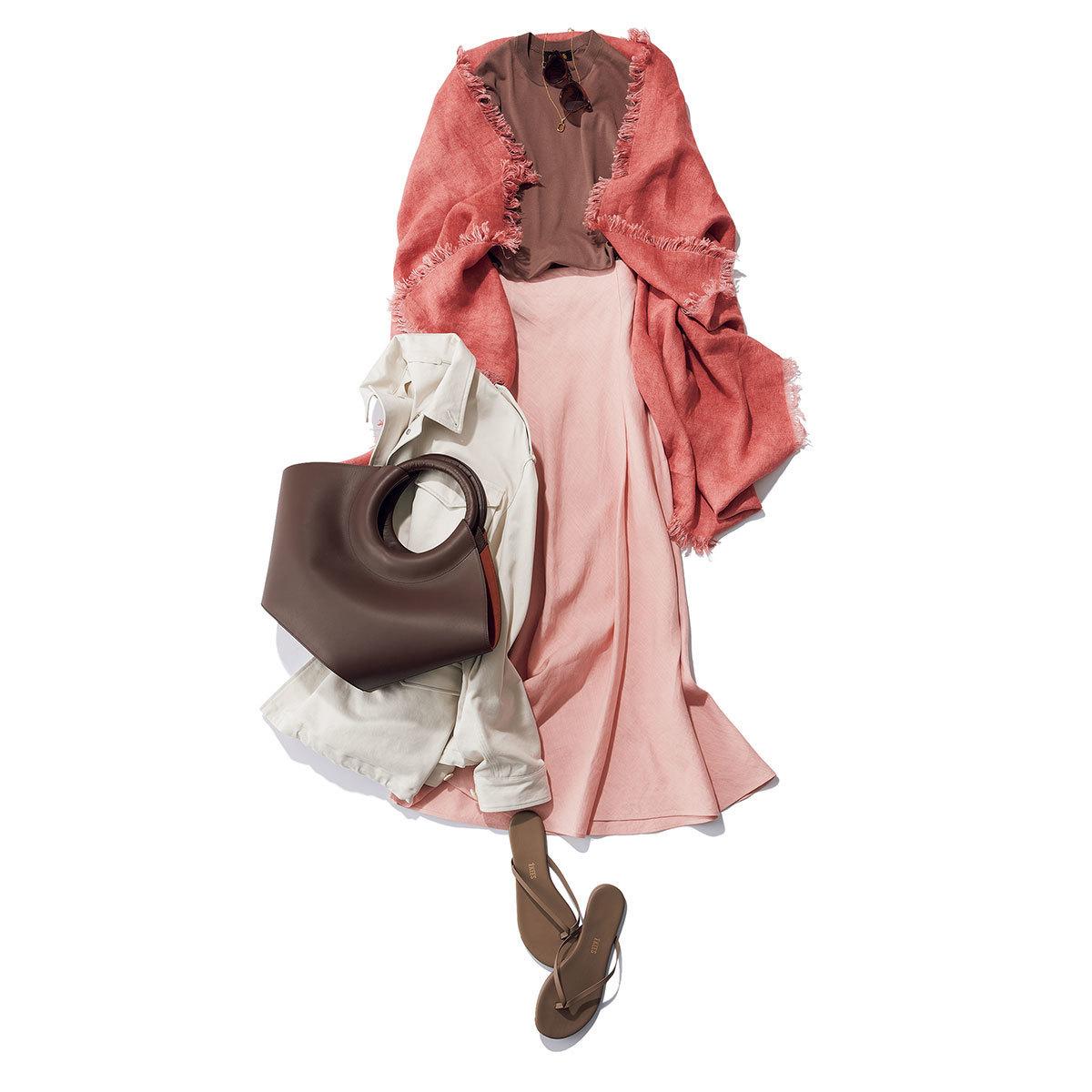 ピンク〜ブラウンのワントーンコーデ