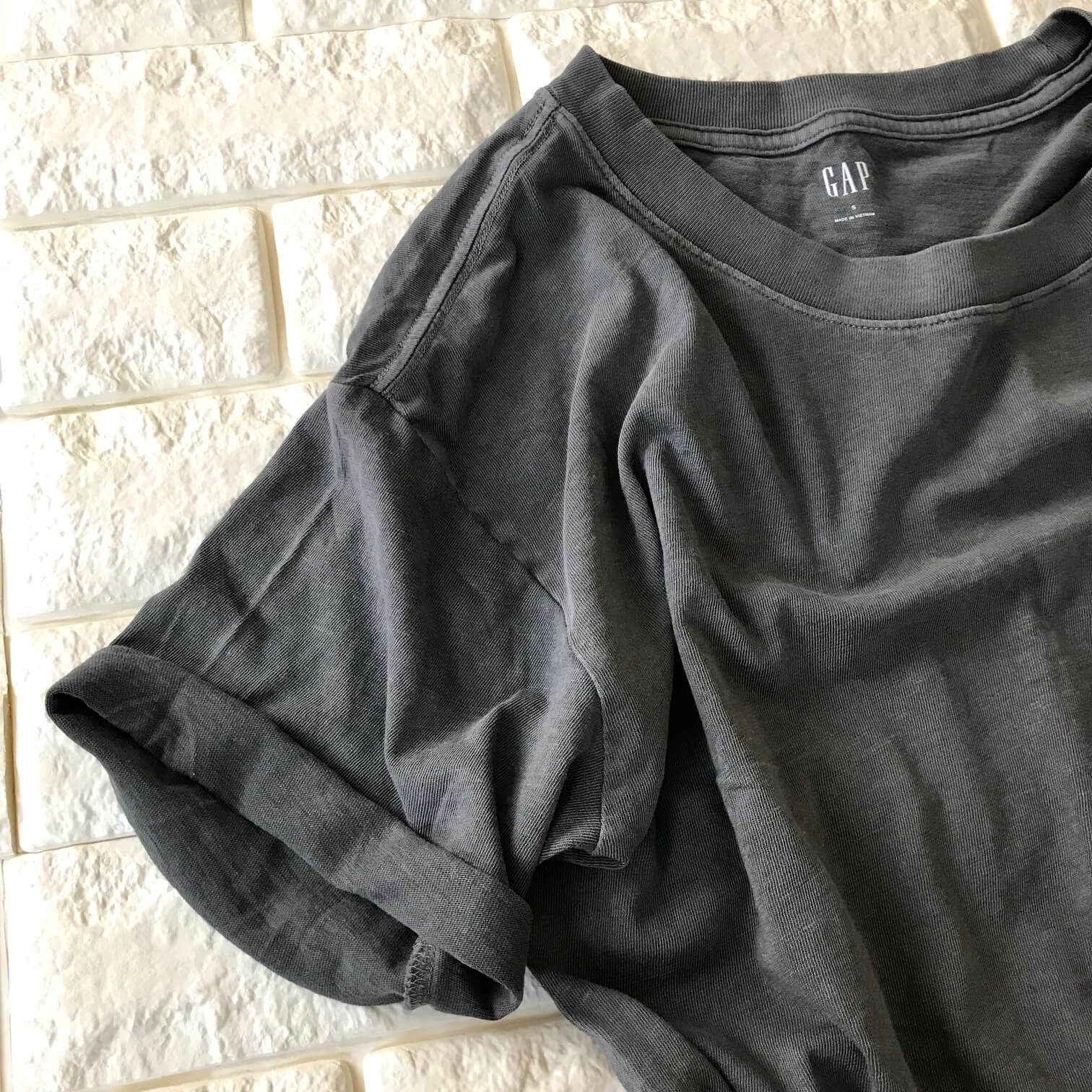 GAPのTシャツアップ画像
