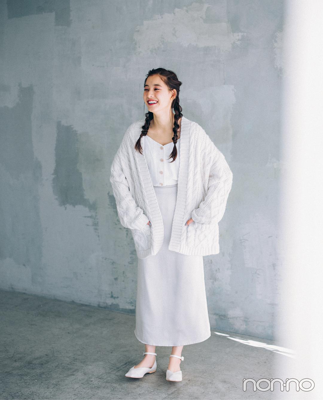 新木優子の「ほぼ白ワントーン」、冬の街に映える!【今日のコーデはブラウン以外】_1_3