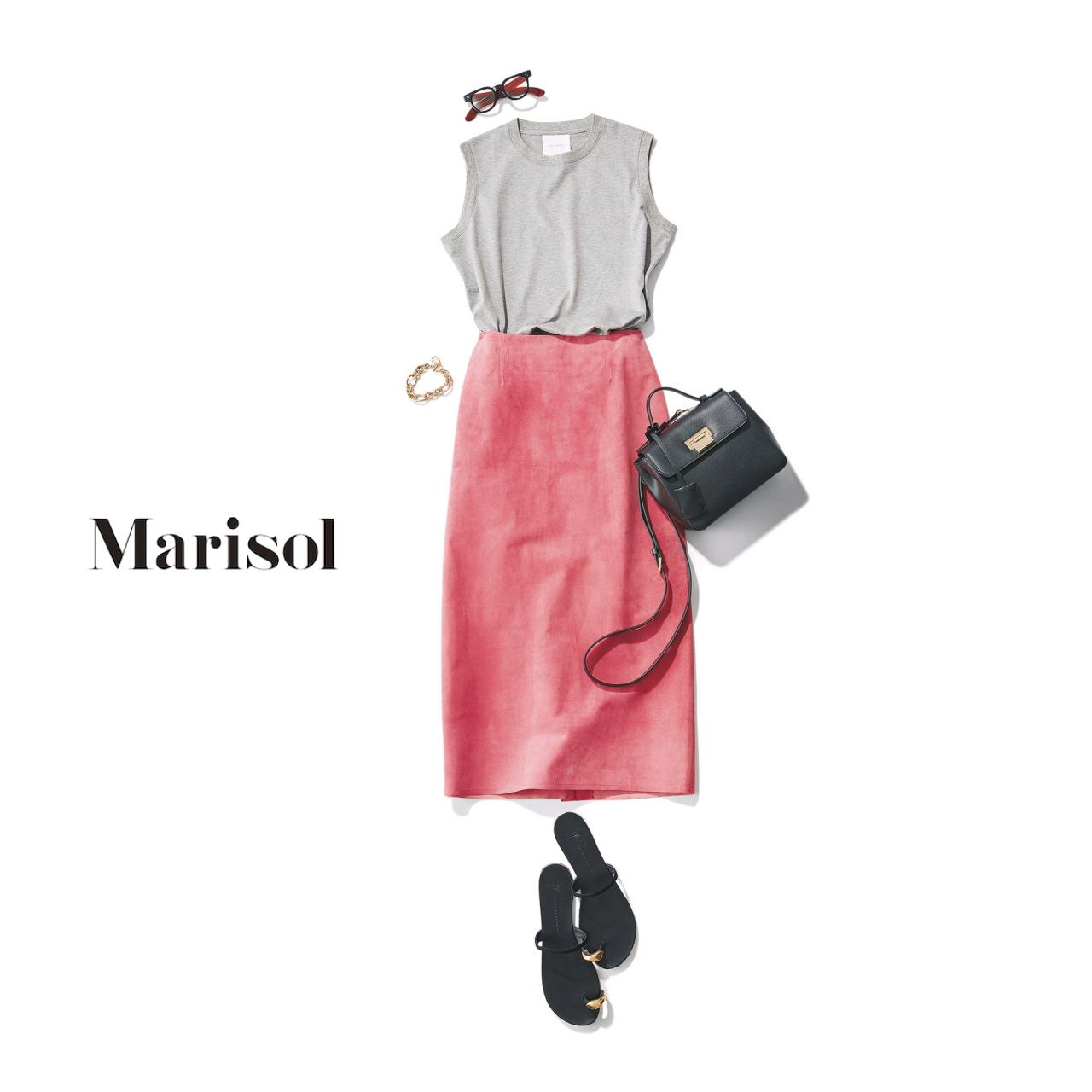 40代ファッション グレーカットソー×ピンクタイトスカートコーデ