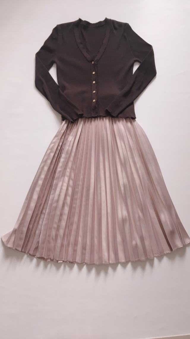 トレンドのサテンプリーツスカートが、まさかのお値段でした。_1_3