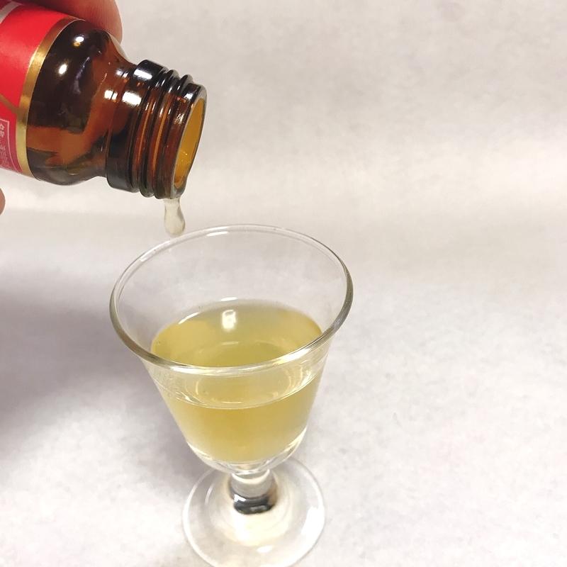 リフタージュをグラスに注いでみると、きれいな黄金色