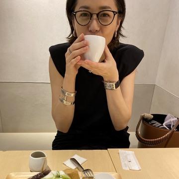 [富岡佳子private life]娘とお買い物