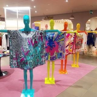 エミリオ・プッチ 阪急うめだ本店にて「スカーフ カフタン イベント」を開催