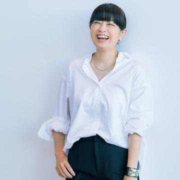 福田亜矢子さんは今季本命のジョグパンツをモダンに着こなし【おしゃれプロのパンツはきこなし術】