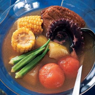 じんわりした味わいのオレンジワインに合わせたい「冷たいおでん」【平野由希子のおつまみレシピ #95】