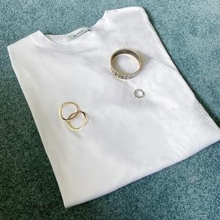 シルエットが綺麗なのに、体型がカバーできるナノユニバースのTシャツ