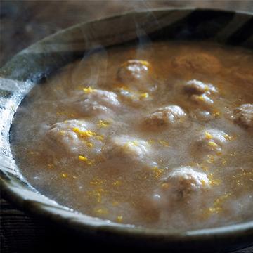 体の芯から温まる! 鶏団子のおろしれんこん鍋【絶品鍋レシピ28days】