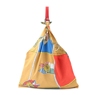 <manipuri (マニプリ)>から、ヴィンテージのスカーフプリントを用いたバッグが登場