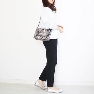 UNIQLOスウェットをきれいめに着る方法【tomomiyuの毎日コーデ】