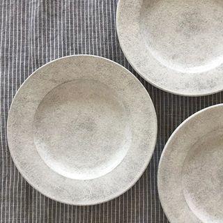 作家・戸塚佳奈さんの食器を衝動買い!雪のような白の表情に惹かれました