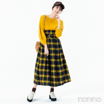 新川優愛はハイウエストチェックスカートで簡単脚長!【毎日コーデ】