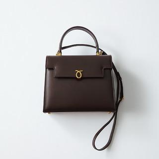 春まで使えるクラシカル小物1/クラシカルな装いにぴったりのワンハンドルバッグ