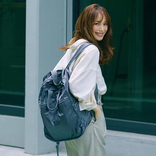 機能的でしゃれているから、いつでも一緒 大人の毎日に、 レスポートサックのきれいめバッグ