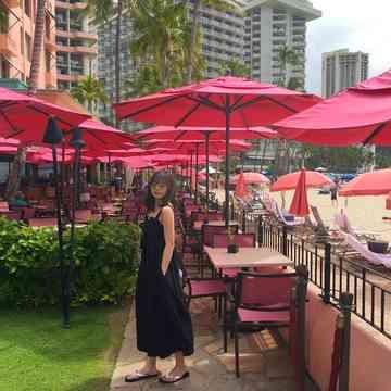 ハワイ ロイヤルハワイアンホテル サーフラナイのピンクパンケーキ