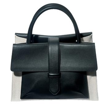3. 「エマニュエラペトロガリ」のバッグ