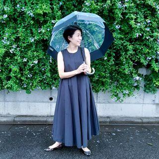大きくて濡れにくい!おしゃれなビニ傘で梅雨明けまで乗り切る!