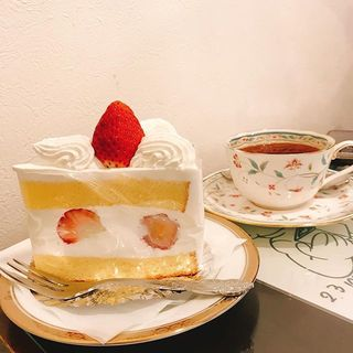 懐かしい味に感激!昭和21年創業の老舗喫茶『アンヂェラス』のケーキ&梅ダッチコーヒー