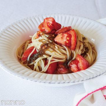 2食材で簡単ヘルシー♡ざく切りトマトともずくのめんつゆパスタ