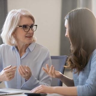 メンターが欲しいと思っているアラフォー女性は6割以上!相談したいこととは?