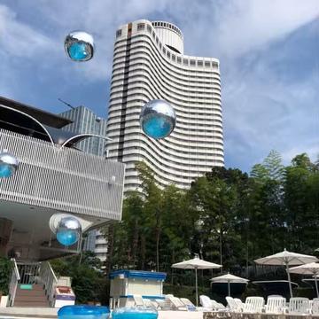 ①【ホテルプール】都心で高級リゾート気分♩