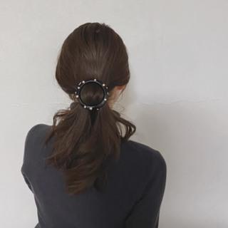 この上なくモダンなヘアアクセサリー #40代のロングヘア