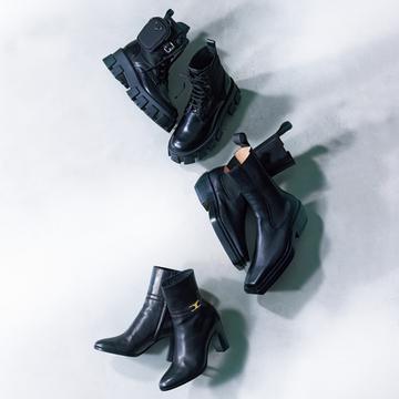 今年顔の黒ショートブーツをハイブランド新作から厳選!【アラフィーの黒ショートブーツ&黒スニーカー】