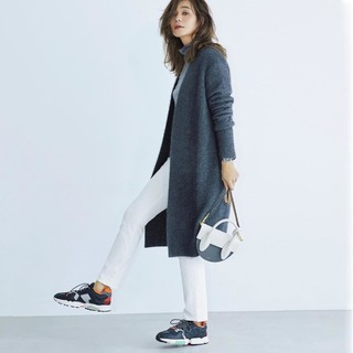 今っぽい通勤コーデはスニーカーでつくる!|アラフォーファッション