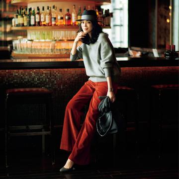 【Day01】女友だちとの年末ディナーは、カラーコーデュロイでちょっとモードに【冬の洗練パンツ30days】