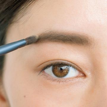 【step.4】淡色ベージュでうぶ毛を増毛