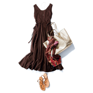 スカート部分のボリュームが素敵な一枚で、パートナーと夕涼みドライブ! 【7月の雰囲気出しワンピース31days】
