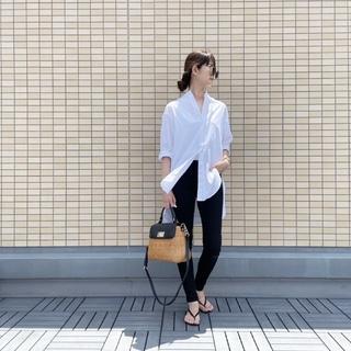OOTD: ロングシャツのモノトーンコーデ【40代 私のクローゼット】
