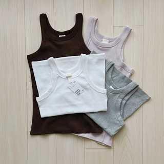 【H&M】全色買いしたタンクトップ【40代のミニマルファッション】