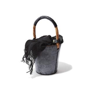 冬の着こなしをさらにシックにするバッグ4選【ファッション名品】