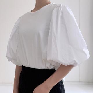 【H&M】パフスリーブ白Tシャツ