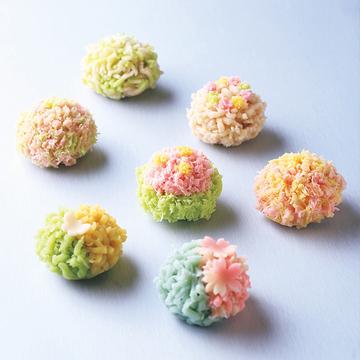 【春の京都グルメ】花紀行へといざなう和菓子・「亀屋良長」のきんとん
