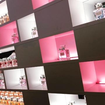 【入場無料!Dior展覧会】限定ポーチGET!限定コスメの発売も♡