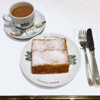 老舗喫茶店のフレンチトーストと、初雪。