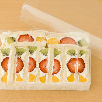 手土産に、自分用に。バリエーション豊かなフルーツサンド