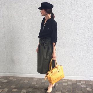 夏も後半。秋の気配を少しだけ感じさせる「黒」の着こなし【マリソル美女組ブログPICK UP】