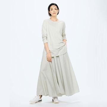 スタイリスト村山佳世子さんが提案!「ATON」の名品カットソーとスカートで作る洗練のグレーワントーン