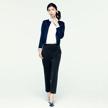 4. 秀逸な素材とパターンで忙しい女性を支えるパンツ<JIL SANDER>