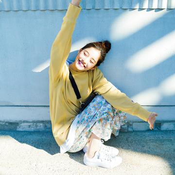 新木優子のオフの日は、ゆるーく可愛い新作スウエットで♡ 【春コーデ2019の正解】