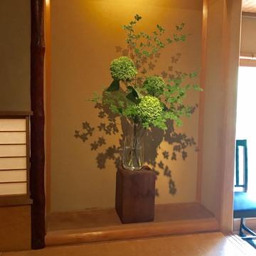 [富岡佳子private life]ガラスの花器