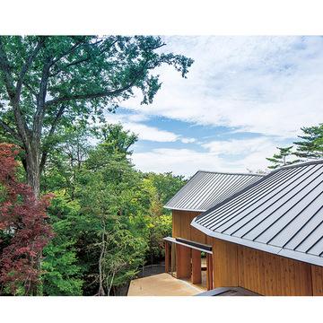 1.自然、建築、アートが融合した隠れ家リゾートが軽井沢に誕生
