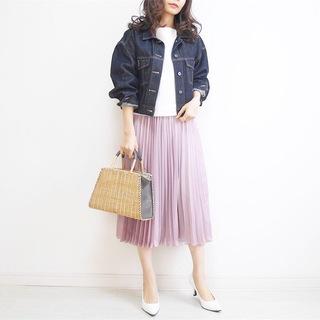 見つけた!理想的な大人ピンク♡ツヤありプリーツスカート