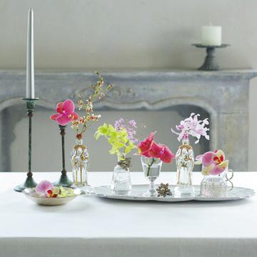3.くつろぎの花 お互いの笑顔がよく見える よう、低めに飾って